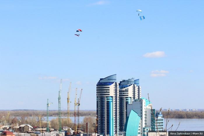 Авиашоу в Барнауле немного разочаровало некоторых зрителей