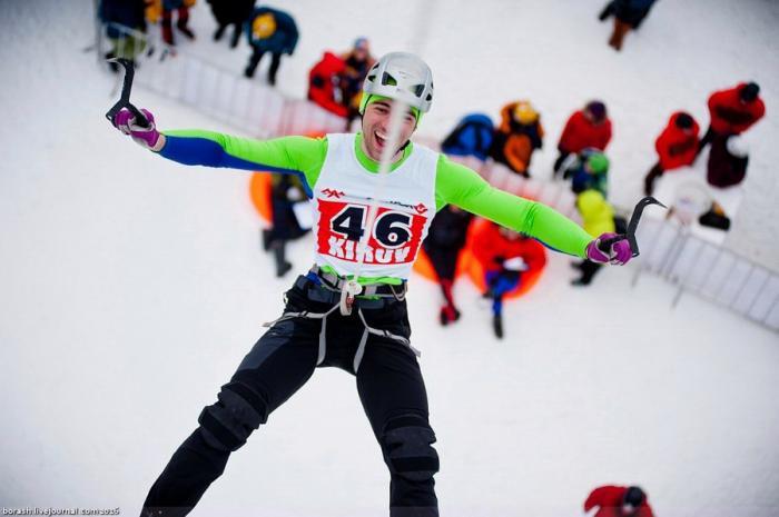 Попали в десяточку на двух этапах Кубка России по ледолазанию!