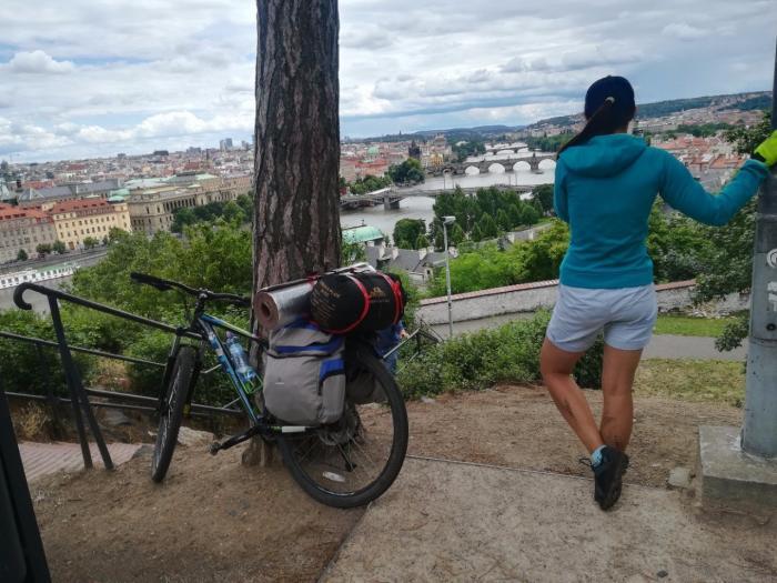 Парочка барнаульцев на велосипедах катается по Европе