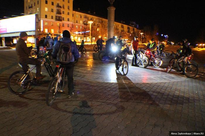 Светлячки-велосипедисты прокатятся по проспекту Ленина в предстоящую субботу