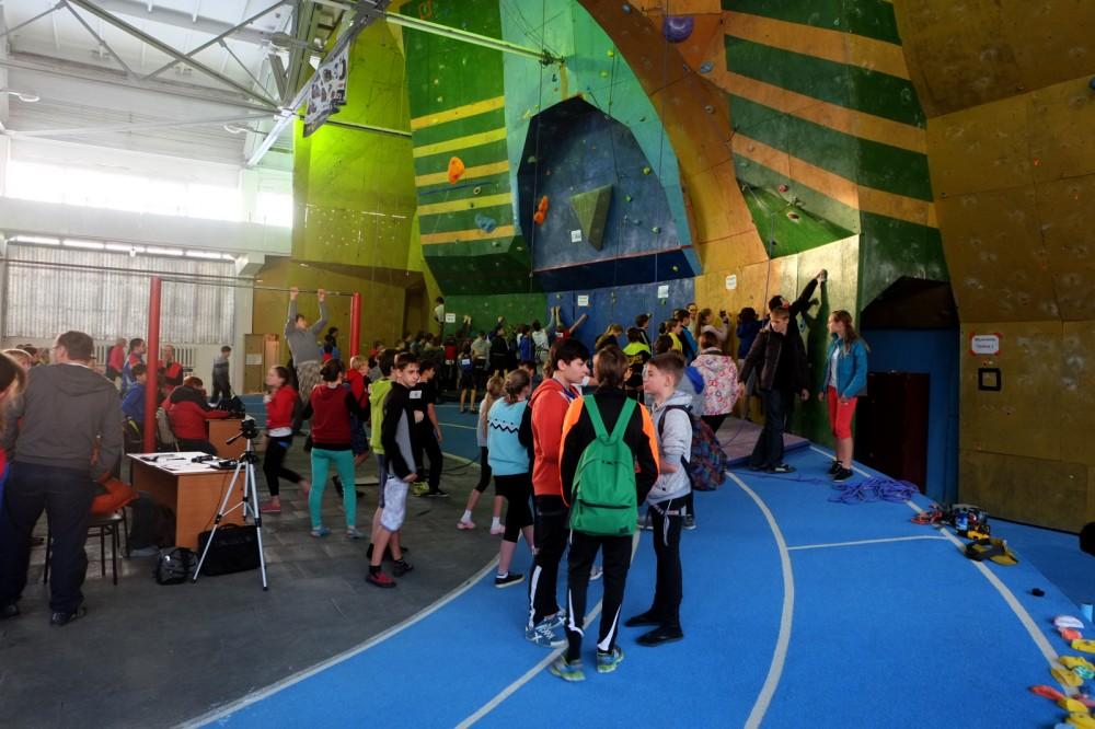 Соревнования по скалолазанию прошли в минувшие выходные в Барнауле