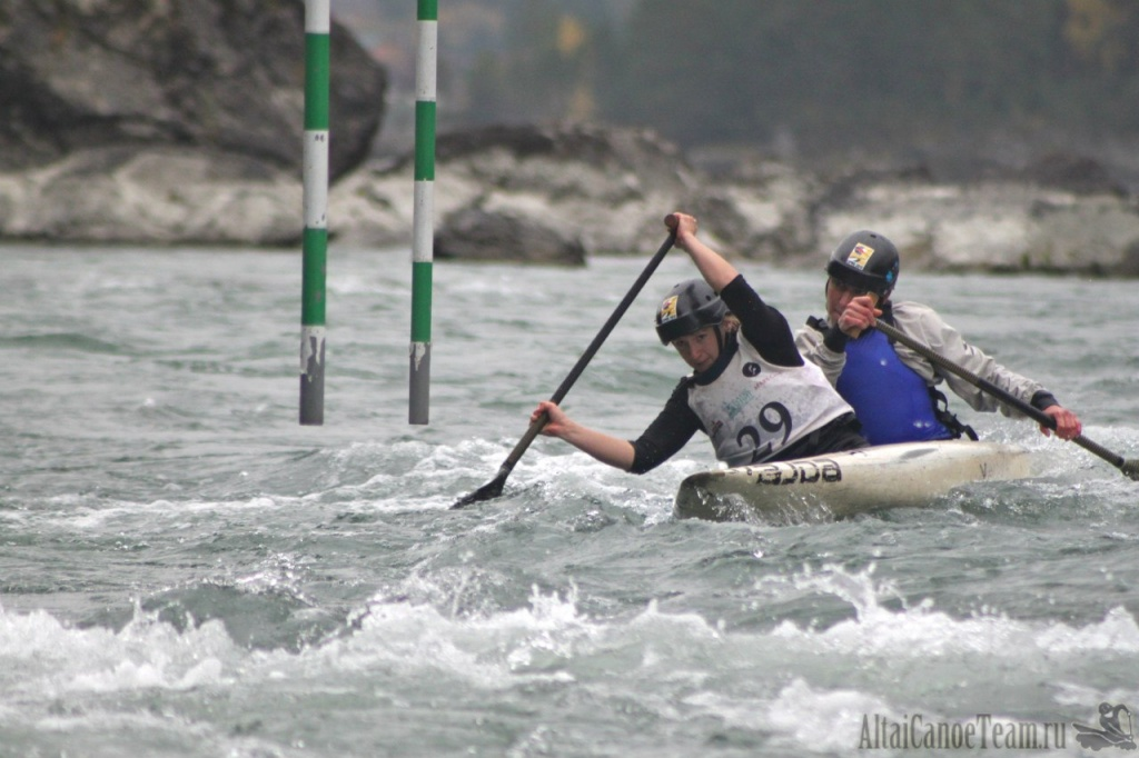 Сезон рафтинга и гребного слалома закроют на реке Катунь
