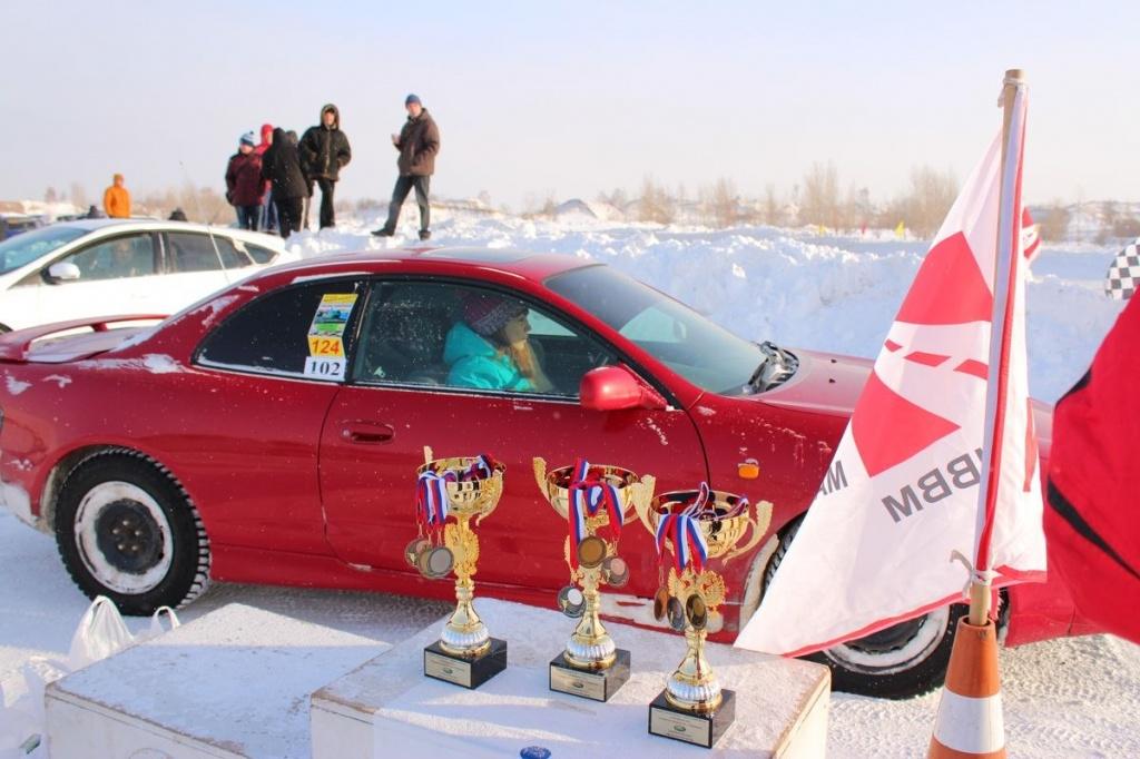 Гонка сильнейших прошла в минувшие выходные на ледовой трассе