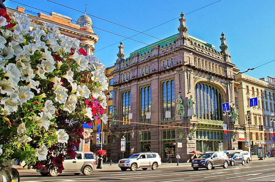 Санкт-Петербург для любознательных путешественников