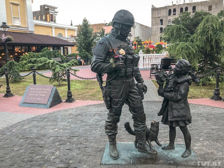 «Путин нам может дать все, кроме воды». Как изменилась жизнь в Крыму за пять лет