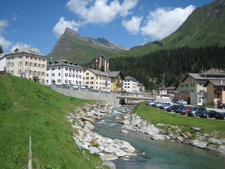Белорусские туристы застряли в Швейцарии из-за неисправного автобуса