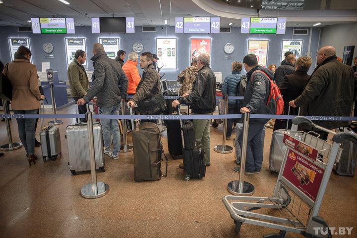 Пассажиры, которые опаздывают на рейс, за 20 рублей могут пройти досмотр без очереди