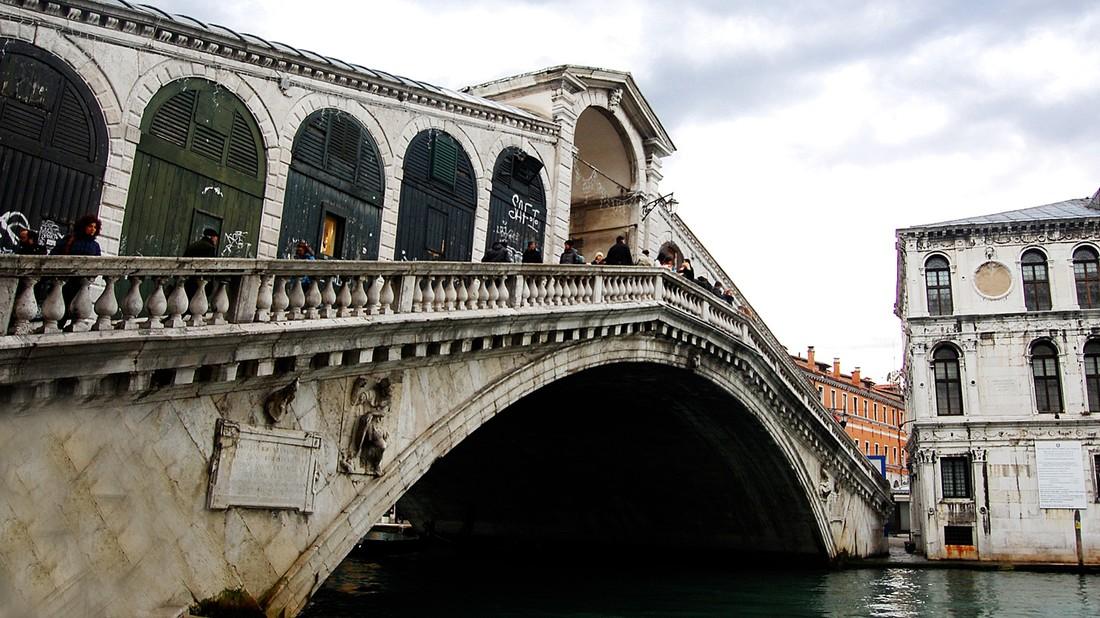 В Венеции туристов оштрафовали за €950 за варку кофе