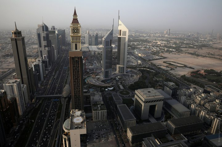 Власти Дубая разрешили туристам покупать алкоголь в магазинах