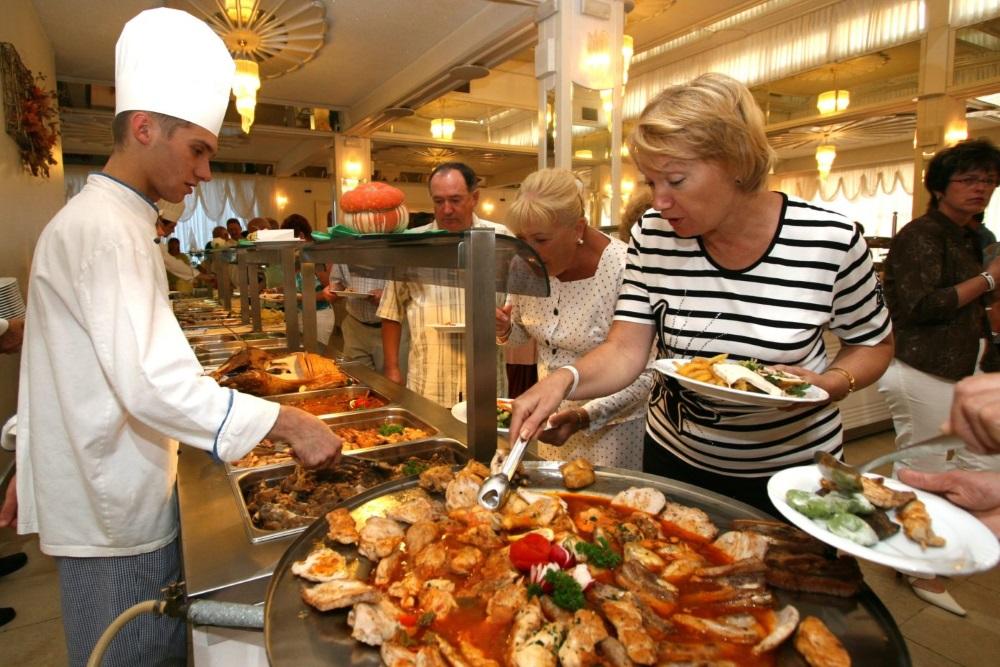 Рост обращения туристов с проблемами в Турции связан с решением сэкономить