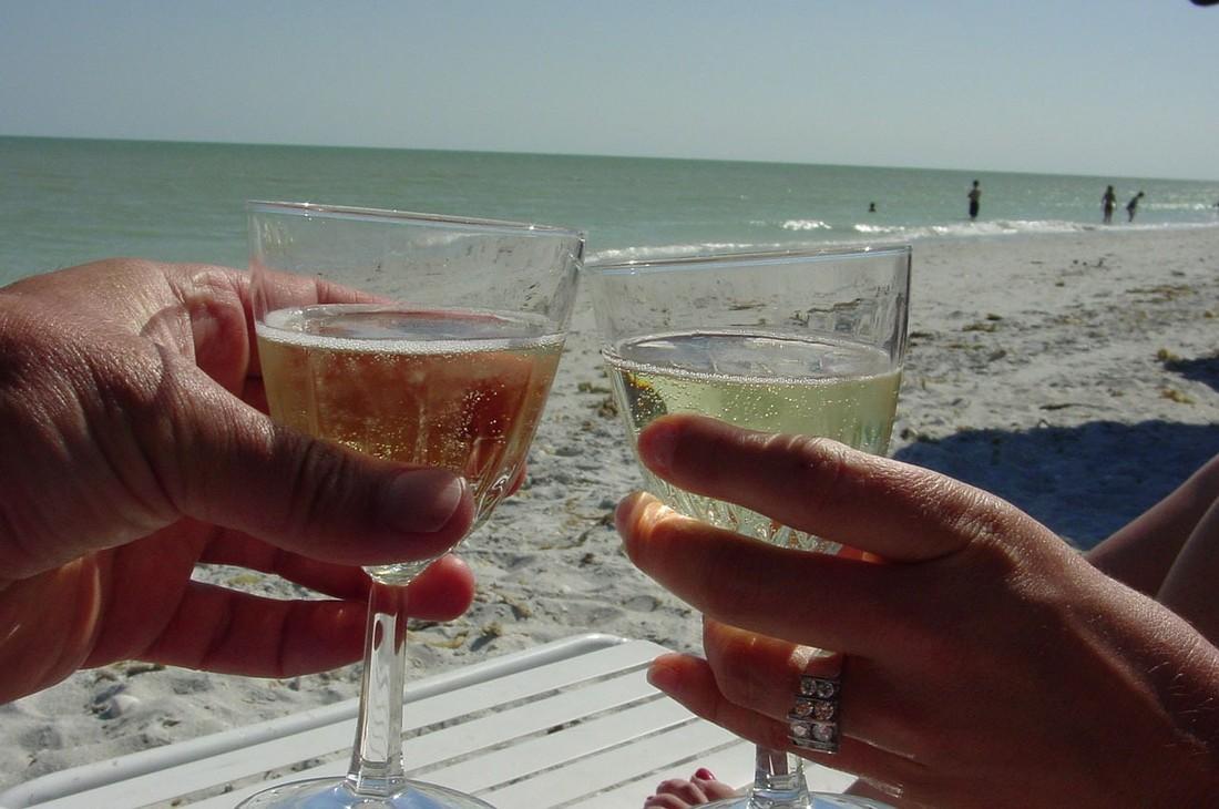 Любителями выпить на отдыхе оказались жители столиц и Челябинска