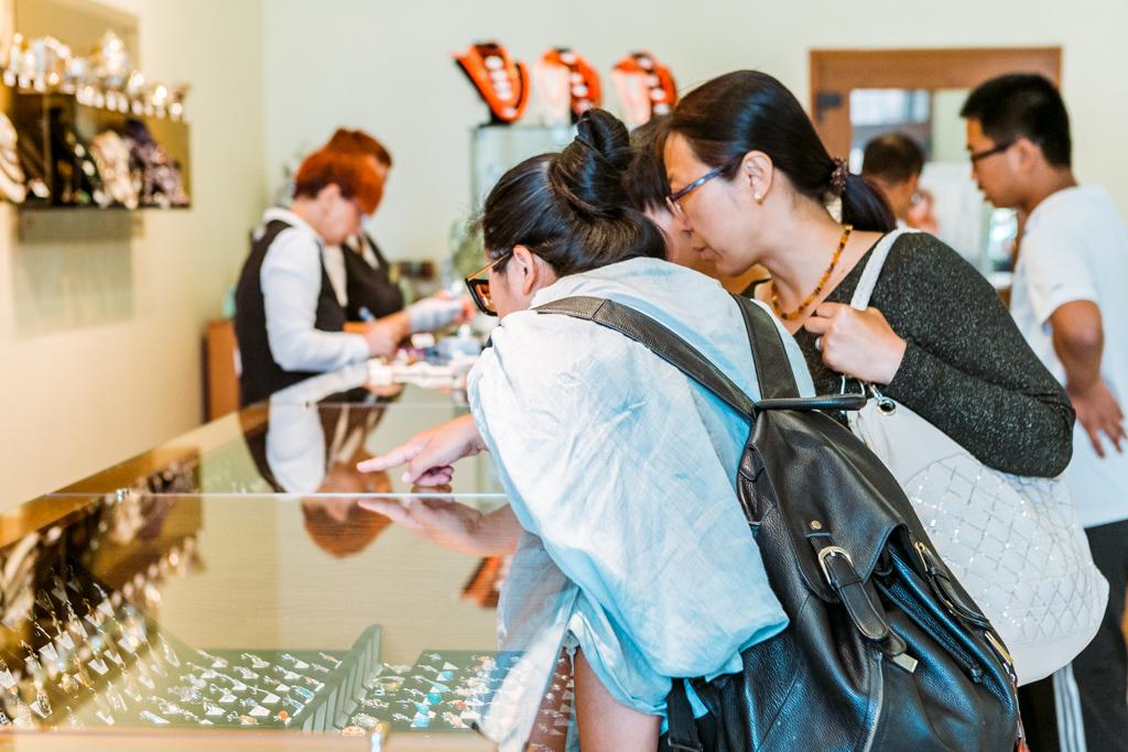 ЦБ РФ отрапортовал о рекордных тратах китайских туристов, эксперты развеяли этот миф