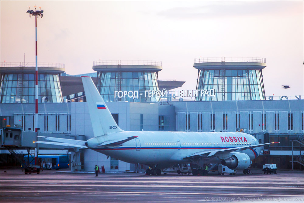 В Пулково начались проблемы: массовые задержки рейсов и угроза отлучения а/к Россия из-за долгов
