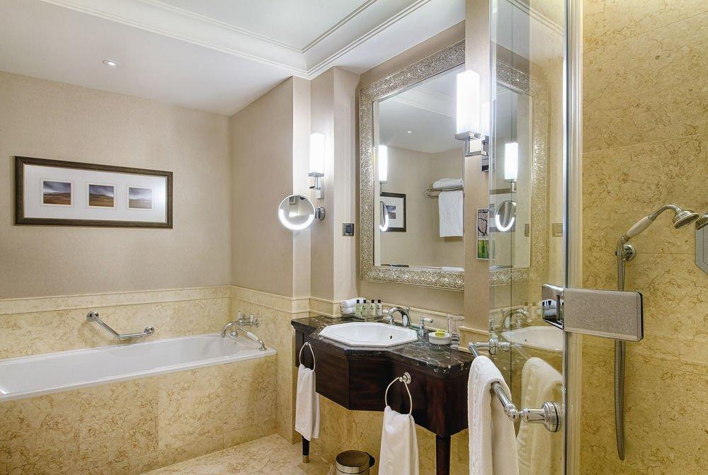Борьба с пластиком: Holiday Inn и Intercontinental отказываются от мини-шампуней
