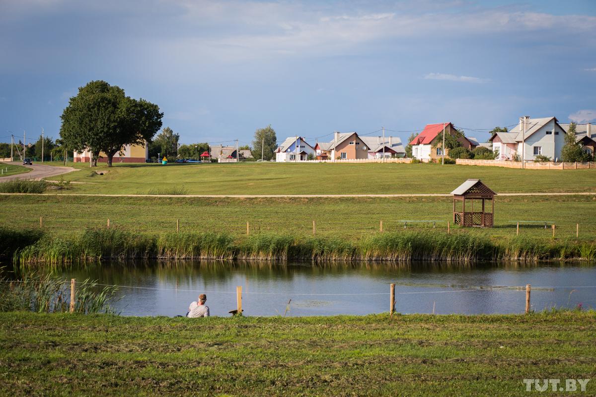 Я живу в Желудке. Как в одном из самых старых поселков Беларуси не скучают цветоводы-мечтатели