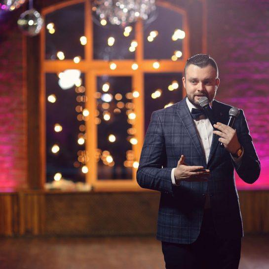 Петр Чарушин – опытный и профессиональный ведущий в Санкт-Петербурге