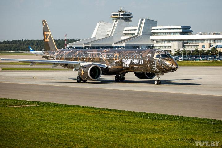 «Цифровой лев» пролетел над Беларусью - в Минске показали новый Embraer