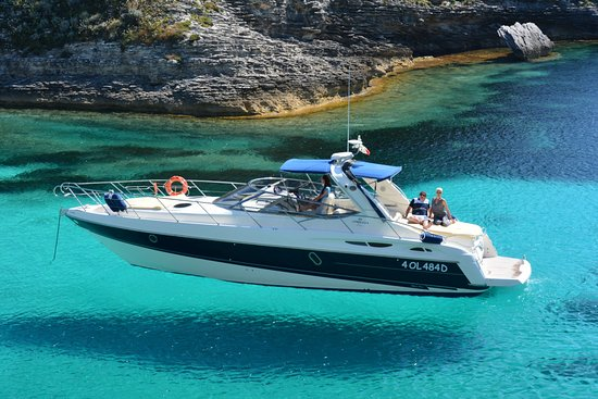 Компания «Enjoy Sardinia» предлагает аренду яхт на Сардинии
