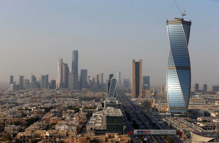 Саудовская Аравия впервые введет туристические визы. Иностранкам разрешат не носить мусульманскую одежду