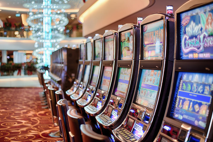 «У людей больше денег не становится». Как живет белорусский Лас-Вегас и кто ходит играть в казино