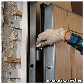 Поэтапный монтаж входной двери: делаем все своими руками