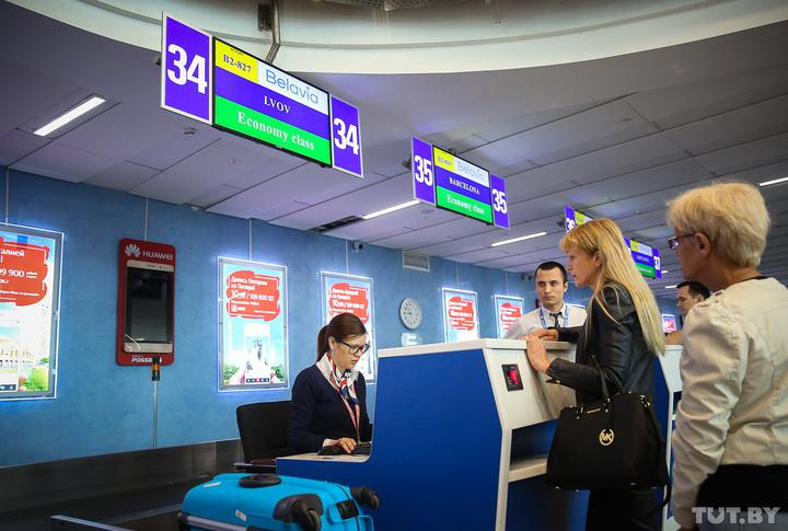 «Небольшой тревожный сигнал был». Как развивается ситуация с аннулированными билетами «Белавиа»