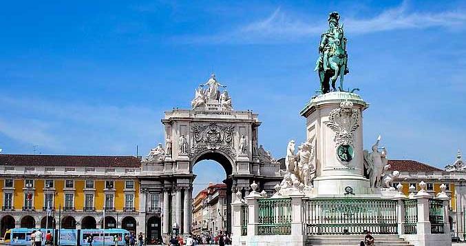 Авторские экскурсии по столице Португалии − Лиссабону