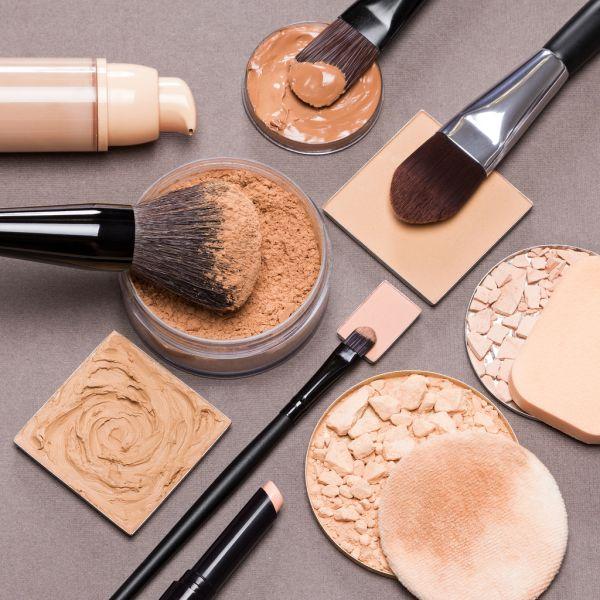 Как выгодно купить пудры и тональные средства для макияжа в интернет магазине