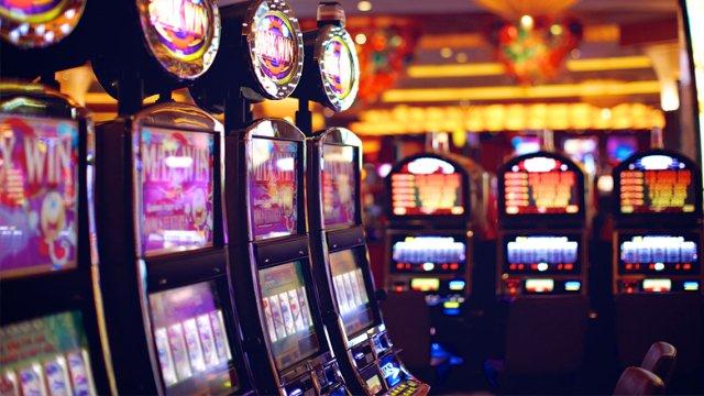 Игровые автоматы: эмуляторы классики VS видеослоты