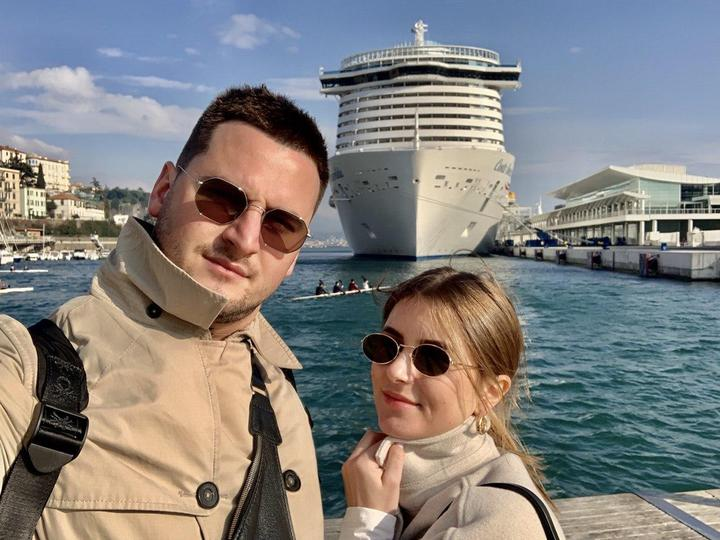 В Италии из-за угрозы коронавируса с круизного лайнера не выпускают пассажиров. Среди них - семья из Беларуси