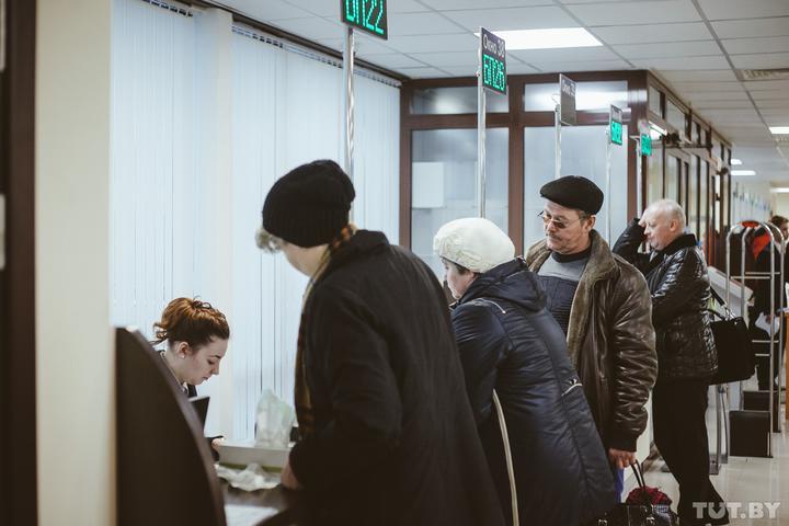 «За день звонил сотни раз!» Посольство отвечает туристам, которые жалуются на визовый центр Польши