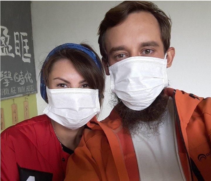 Белорусы, застрявшие в Китае из-за закрытых границ, вернулись домой - и угодили в инфекционку