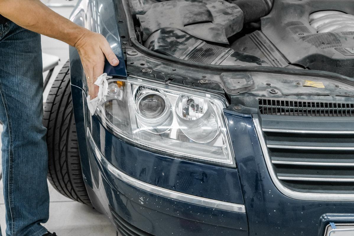 Нужно ли менять стекла фар у Volkswagen Passat