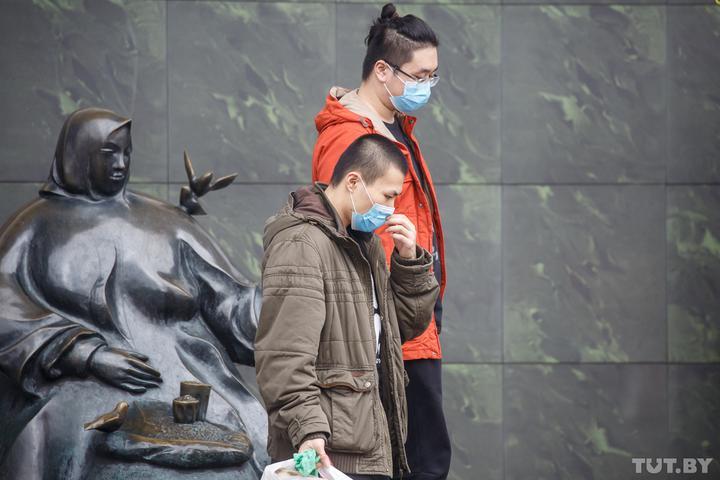 В Беларуси начали страховать от коронавируса. В каких случаях будут страховые выплаты