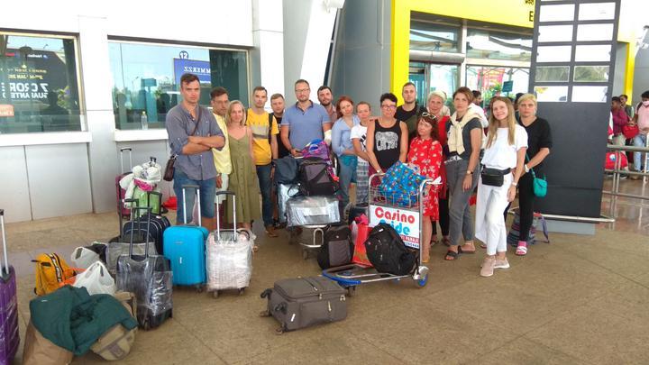 «Билеты аннулировали, из аэропорта выгнали». 23 белоруса, которые летели через Москву, застряли в Гоа