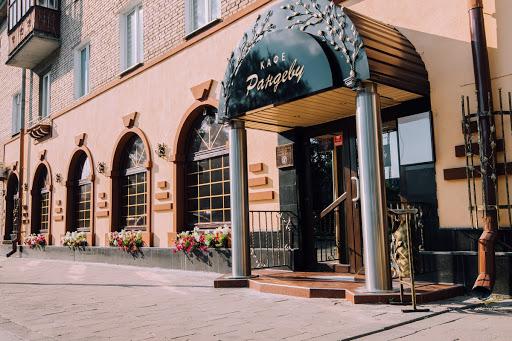 «Ситуацию, в которой оказался бизнес, в расчет не берут». Кафе в Гродно в два раза подняли арендную плату