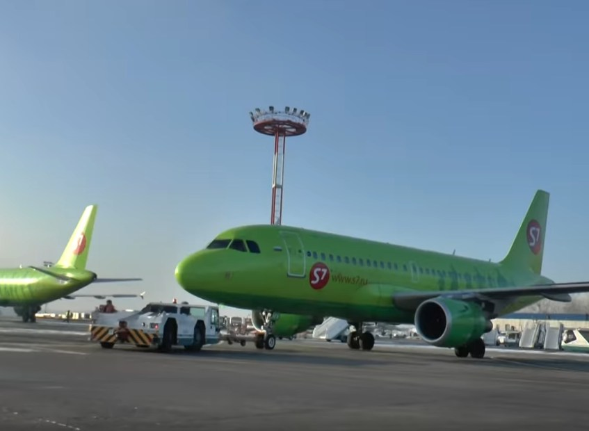 S7 Airlines начала перевозить вместо пассажиров маски из Китая