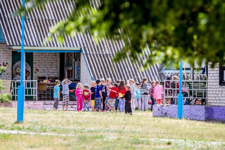 «В связи с COVID-19 часть родителей от мест отказалась». Как будут работать оздоровительные лагеря