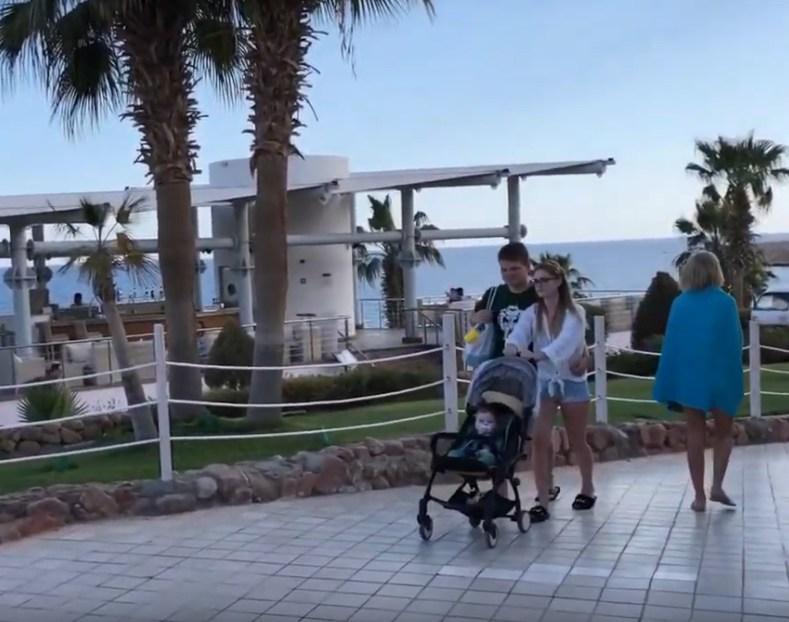350 украинских туристов эвакуировали из Шарм-эль-Шейха и Дубая