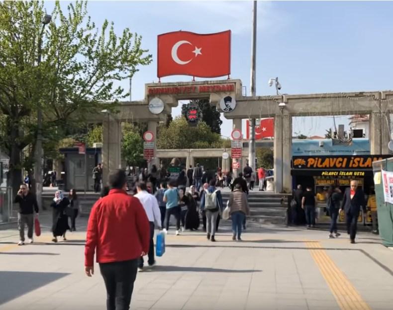 Турция снимает часть карантинных мер с 1 июня: открываются пляжи, рестораны, музеи и парки