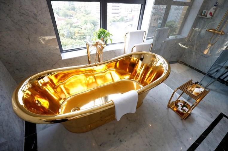 Даже унитазы золотые: Первый в мире позолоченный отель открыл свои двери во Вьетнаме
