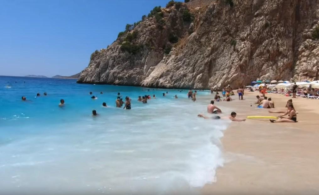Погода в Турции: в Анталии +38°C, море +29°C, россияне раскупают туры
