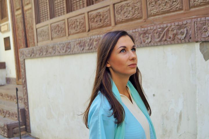 «Скупают на аукционах финики и смотрят шоу красоты для верблюдов». Рассказ белоруски о жизни в Саудовской Аравии
