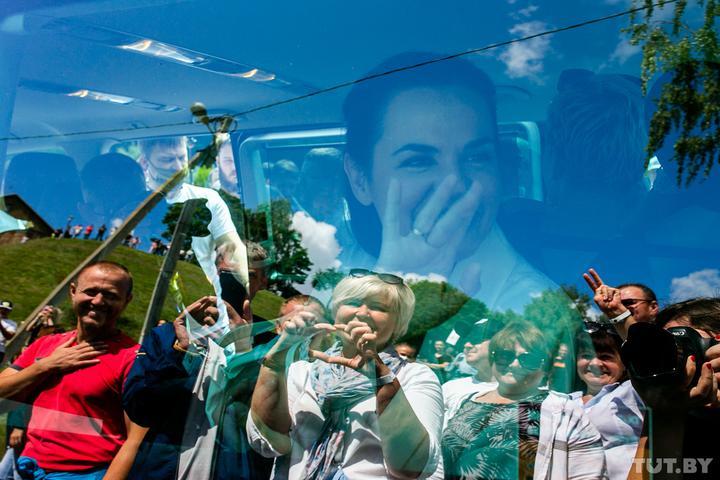 Гродно, Волковыск, Слоним. Тысячи людей в регионах пришли на митинги Светланы Тихановской. Онлайн