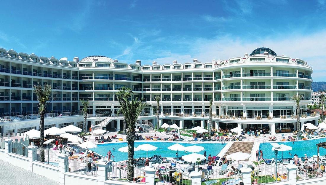 4-звездочный отель в Мармарисе разорен и выставлен на продажу