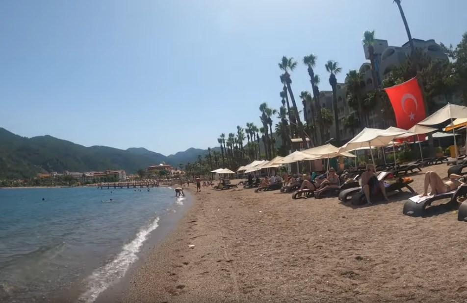 На курорты Турции надвигается аномальная жара: воздух +40°C, вода в море 31°C