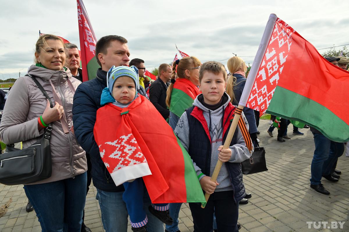 С Ланской и жалобами на «агрессию другой стороны». Как автопробег «За Беларусь» приехал на родину Лукашенко