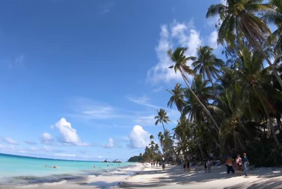 Филиппины открыли курортный остров Боракай для иностранных туристов