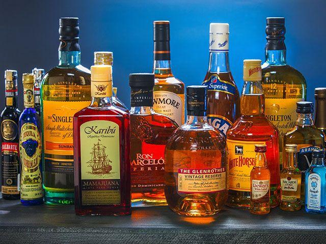 ТОП-3 крепких спиртных напитков — виски, коньяк, ликер