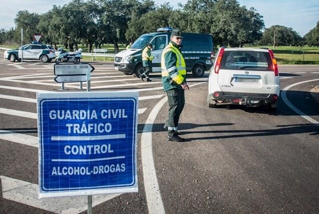 Справочник с правилами дорожного движения Испании с переводом